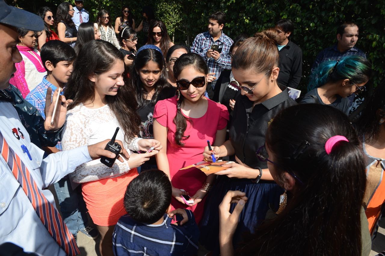 1Alia-with-fans1